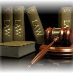 Parabanki masowo łamią prawo