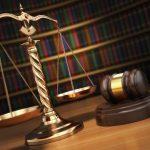 Prawo włożone między bajki